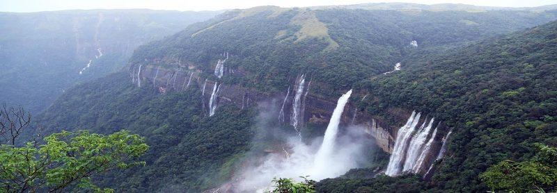 mawlynnong-waterfall-