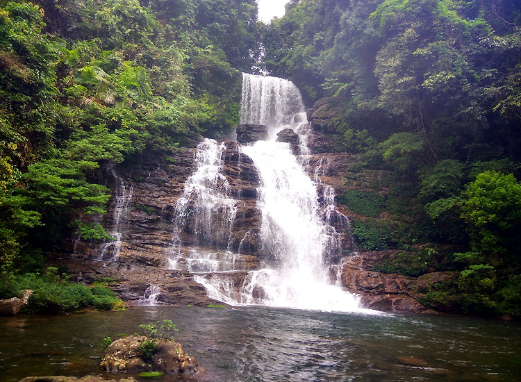Mawlynnong-Waterfall
